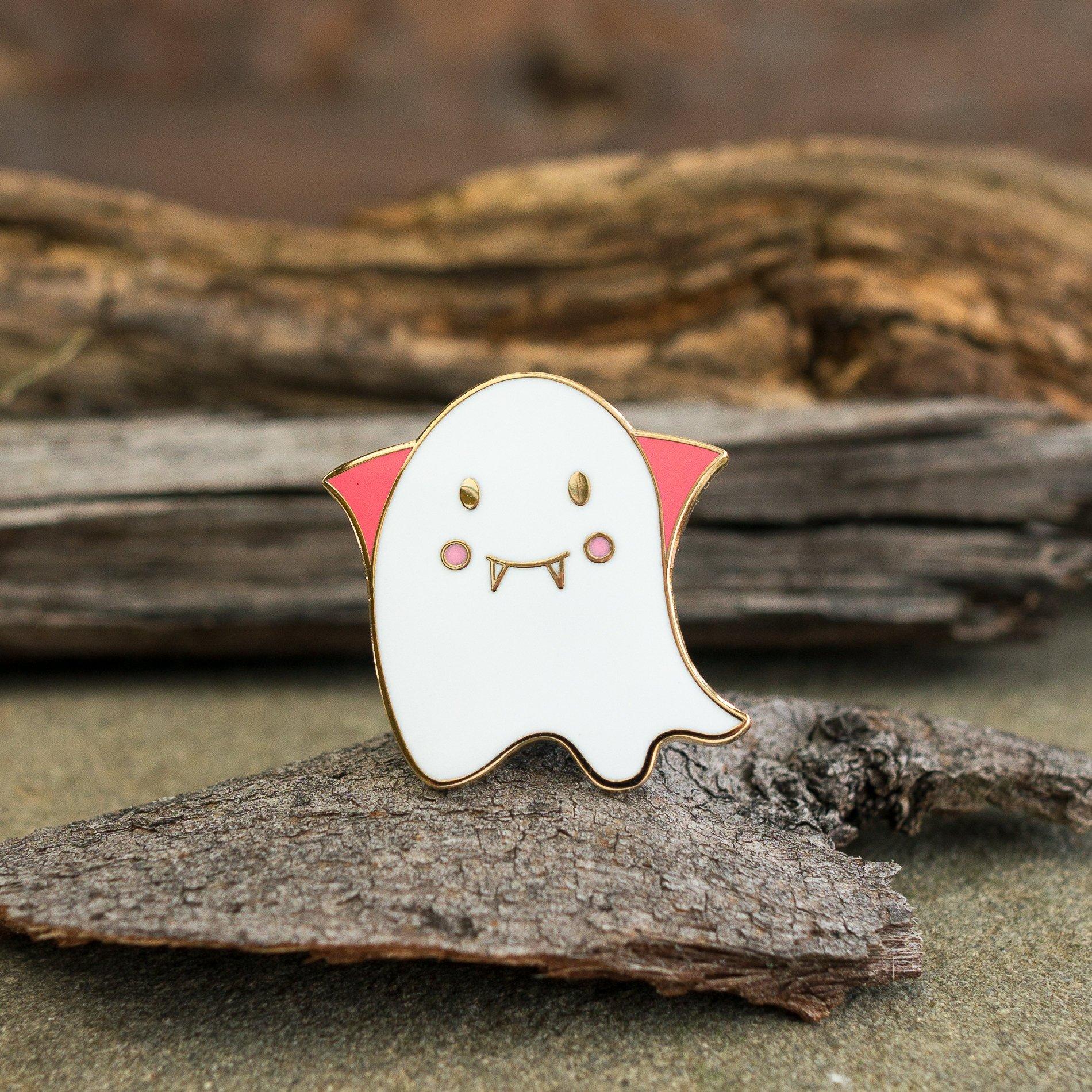 Cute ghost vampire enamel pin - vampire fantome pin's d'halloween