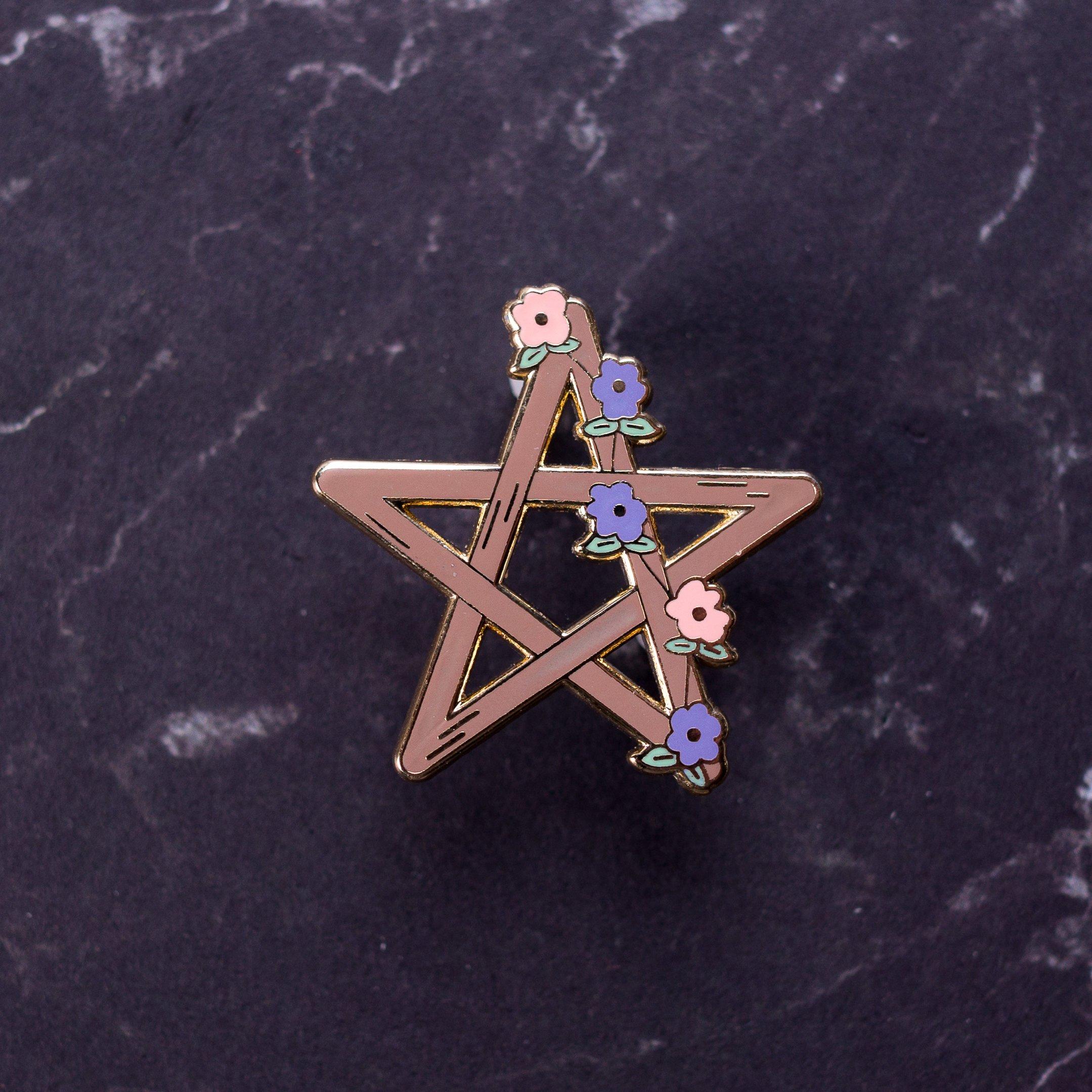 Pin's pentagramme de sorcière à fleur - pin witch Halloween