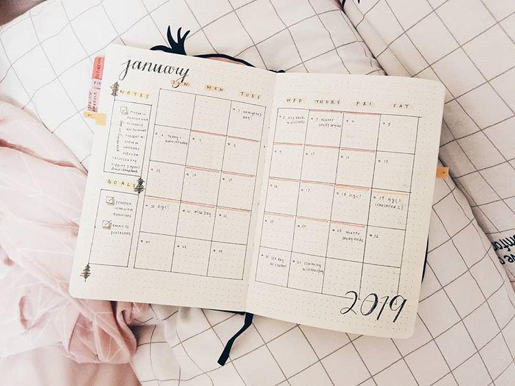 Monthly log pandacubcake calendrier mensuel bullet journal